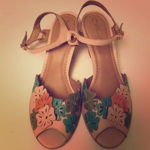 Miss Allbright by Anthropologie floral sandals 8.5